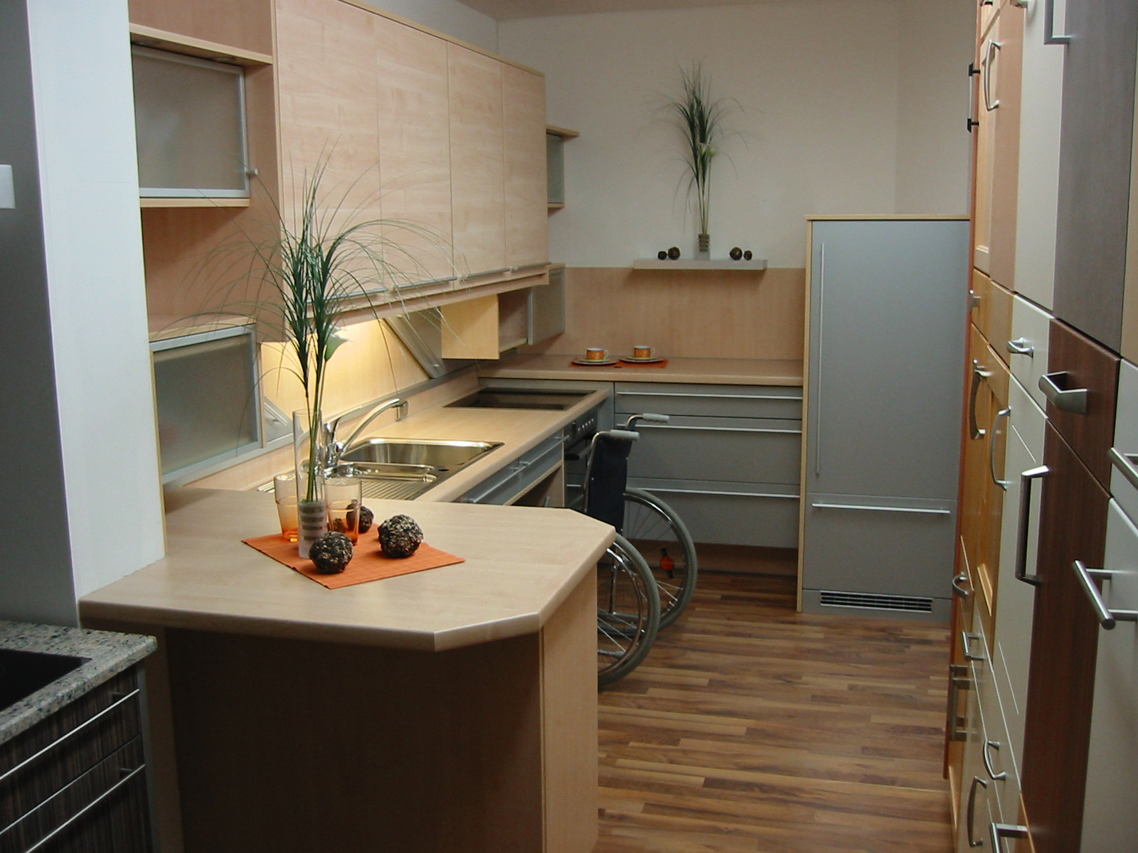 kchen beispiele awesome kche mit essbereich with kchen beispiele modern kche modern mit. Black Bedroom Furniture Sets. Home Design Ideas